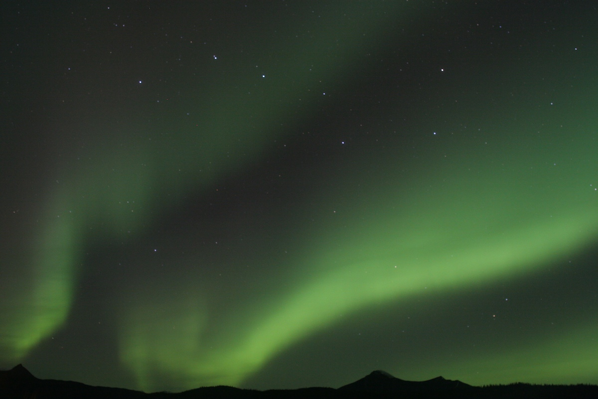 lukehsmith.com Big Dipper and the aurora borealis above the Matanuska Glacier in Alaska